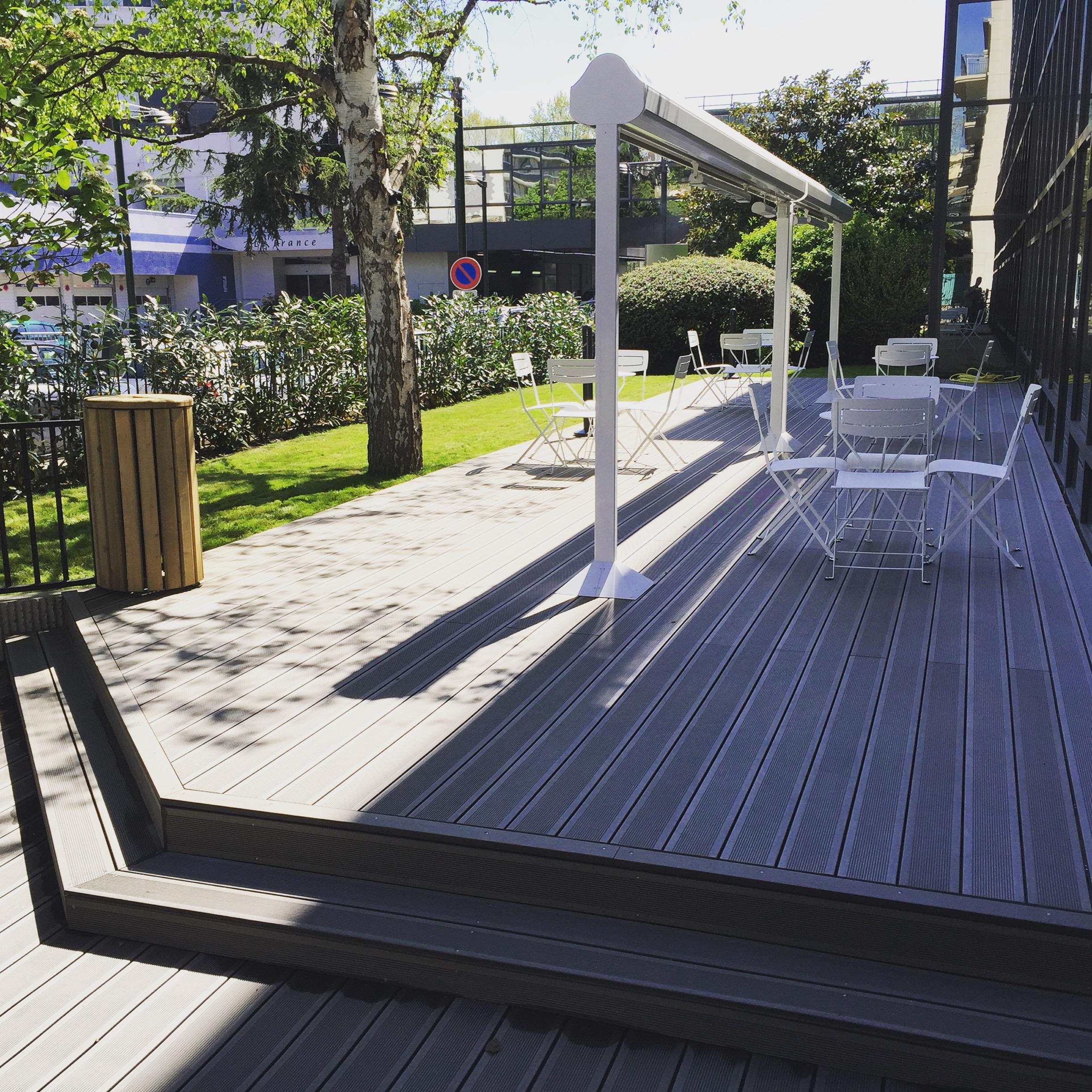 Terrasse composite ext rieurs verts les paysagistes for Les paysagistes